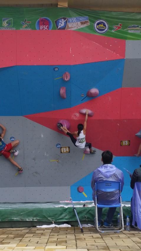 Paige bouldering qualifiers.
