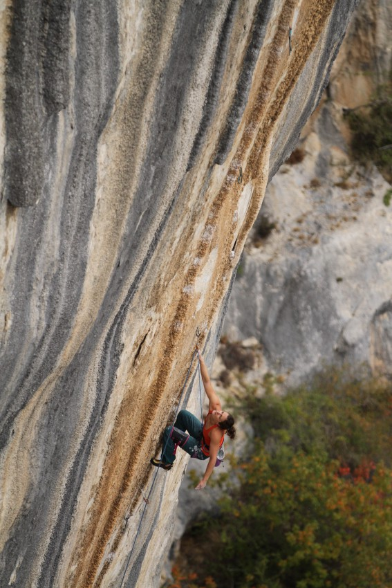 Vikki in France. Tom and Je Ris. 14a Photo by Sean McColl.